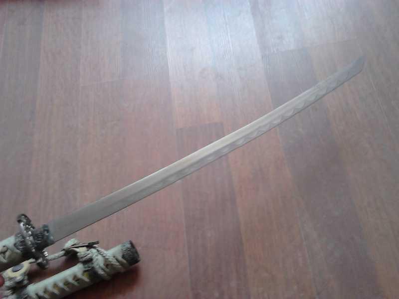 3)Катаны. Боевые и сувенирные образцы.